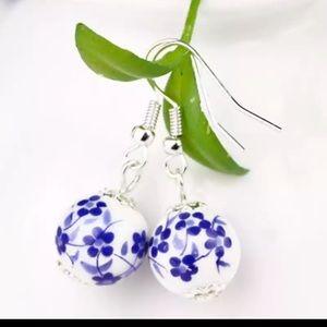 Jewelry - Last pair earrings
